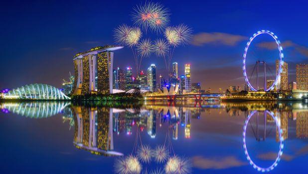 Бесплатные фото Фейерверк,Марина Бей,Сингапур,салют,небоскрёбы,сумерки,город
