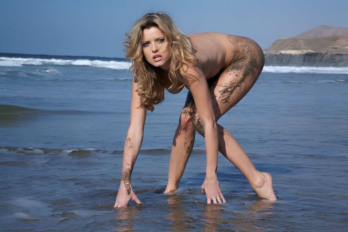 Обои Nikky Case, красотка, голая картинки на телефон