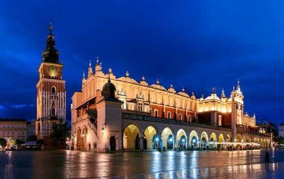 Бесплатные фото Ратушная башня,Ткацкий зал,Главная рыночная площадь,Краков,Польша