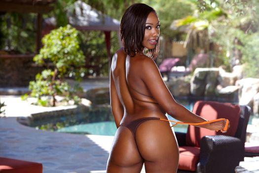 Фото бесплатно Chanell Heart, бикини, темнокожая