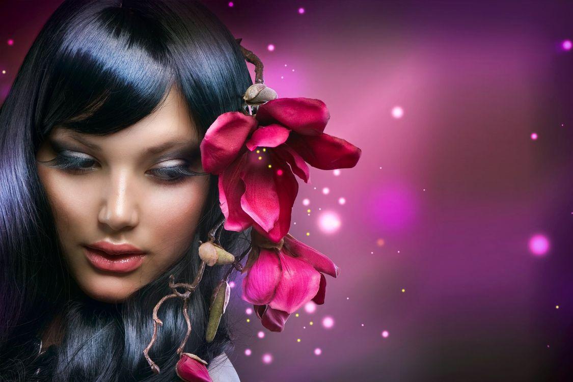 Фото брюнетка цветок орхидея - бесплатные картинки на Fonwall