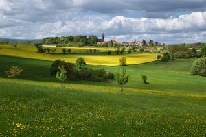 Бесплатные фото Кампания,Италия,поле,цветы,деревья,небо,облака
