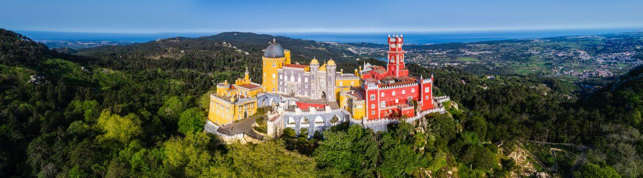 Бесплатные фото Pena Palace Pano,Дворец Пена - Синтра,Португалия,Европа,панорама