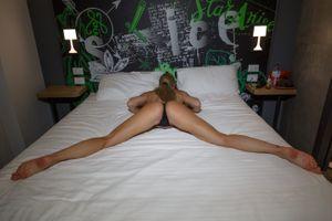Фото бесплатно лара де сантис, блондинка, постель