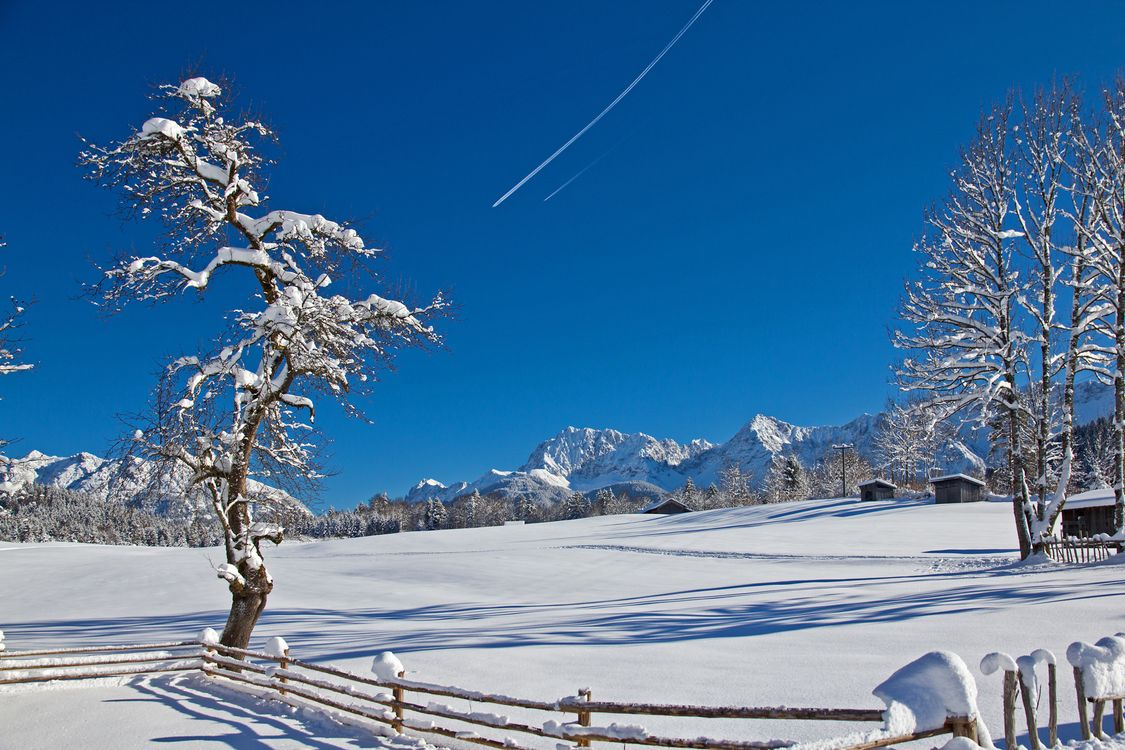 Фото бесплатно Озеро Герольдзее, Германия, Geroldsee, Южный Тироль, Альпы, Гармиш, Партенкирхен, сельская местность, Bavaria, Бавария, горы, зима, пейзаж, пейзажи