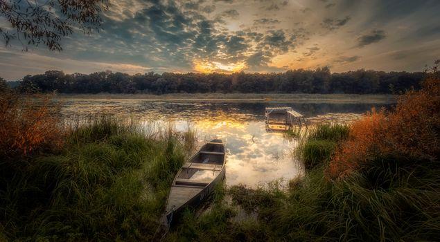 Бесплатные фото заводь,закат,река,камыш,сентябрь,лодка,лес,деревья природа,пейзаж