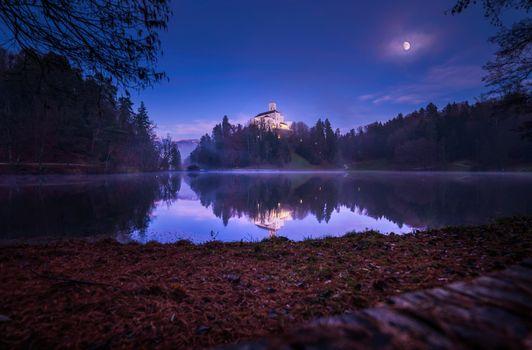 Фото бесплатно озеро, замок Тракошчане, ночь
