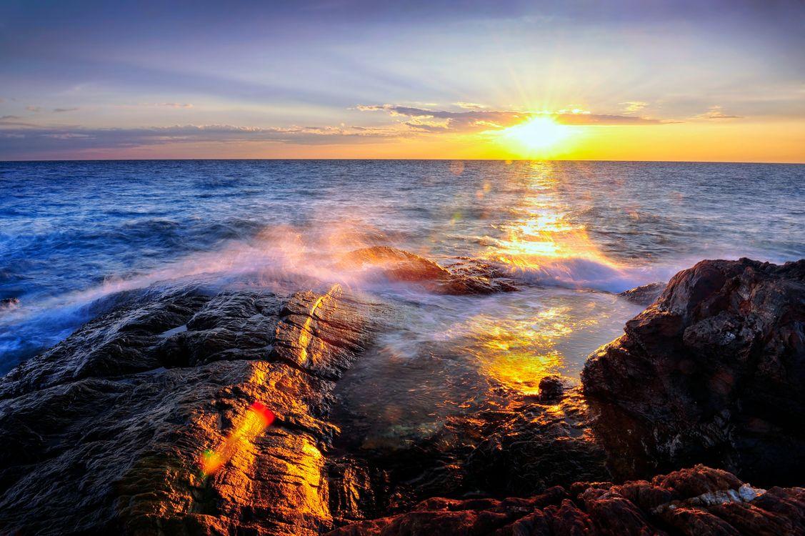 Фото бесплатно Sea Sunset Rayong, Thailand, закат, море, океан, берег, скалы, волны, брызги, природа, пейзаж, пейзажи