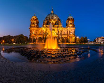 Photo free architecture, illumination, Berlin Cathedral