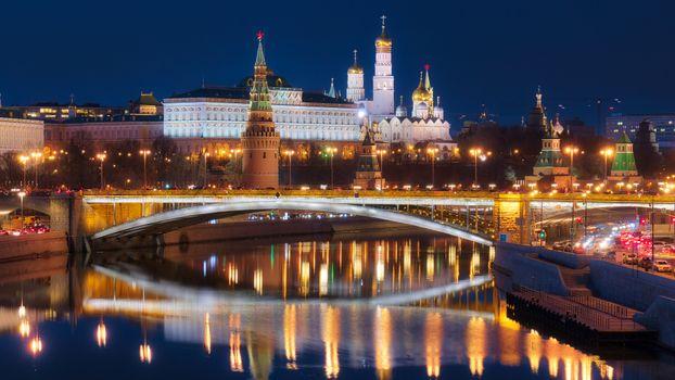 Фото бесплатно Москва, Кремль вид с реки, Россия