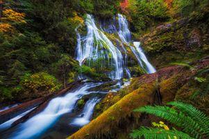 Удивительные водопад · бесплатное фото