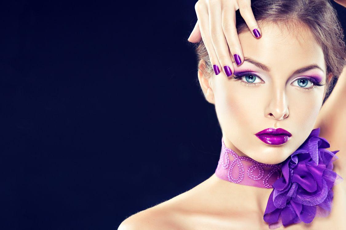Фото бесплатно девушка, макияж, стиль, бантик на шее, девушки