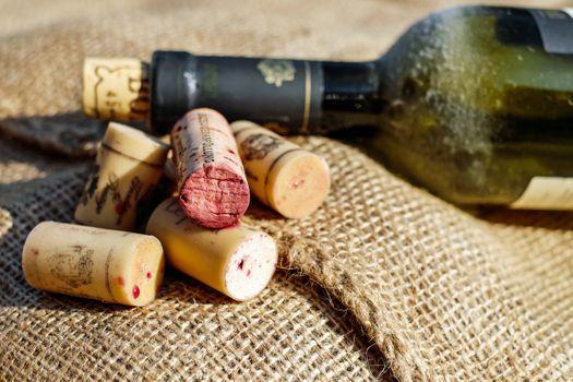 Фото бесплатно рука, пища, красное вино