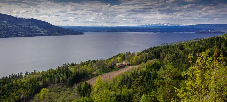 Фото бесплатно Тирифьорден, Скарет, Бускеруд, Норвегия, море, поля, горы, лес, деревья, домик, пейзаж, панорама