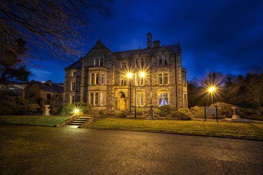 Фото бесплатно Barrack Street, Strabane, County Tyrone, Северная Ирландия, Великобритания, Приходский дом - Стребан, ночь, фонари, огни, иллюминация, пейзкаж