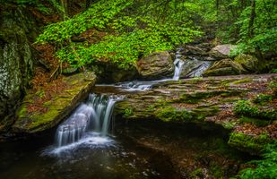 A stream in rocky terrain · free photo