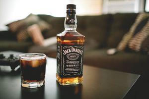 Фото бесплатно алкоголь, бутылка, Дэниелс