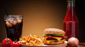 Фото бесплатно гамбургеры, картофель фри, газировка
