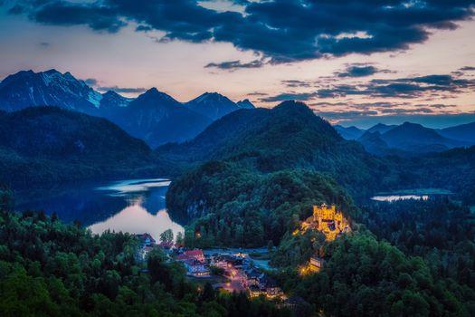Photo free sky, mountains, Hohenschwangau with Swan lake and Alpsee