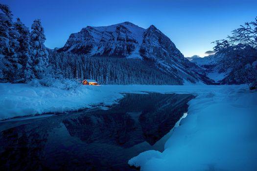 Бесплатные фото Pinehouse,Canada озеро,горы,домик,зима,снег,сугробы,деревья,закат,рассвет,пейзаж