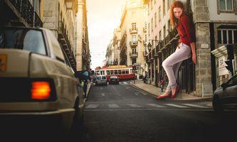 Бесплатные фото город,дорога,девушка,женщина,автомобиль,люди,фотошоп
