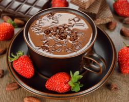 Фото бесплатно горячий шоколад, ягоды, клубника