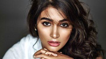 Бесплатные фото Pooja Hegde,модель,актриса,брюнетка,черные глаза,чувственные губы,Индии