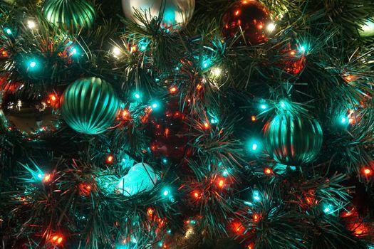 Фото бесплатно новогодняя ёлка, огни, игрушки