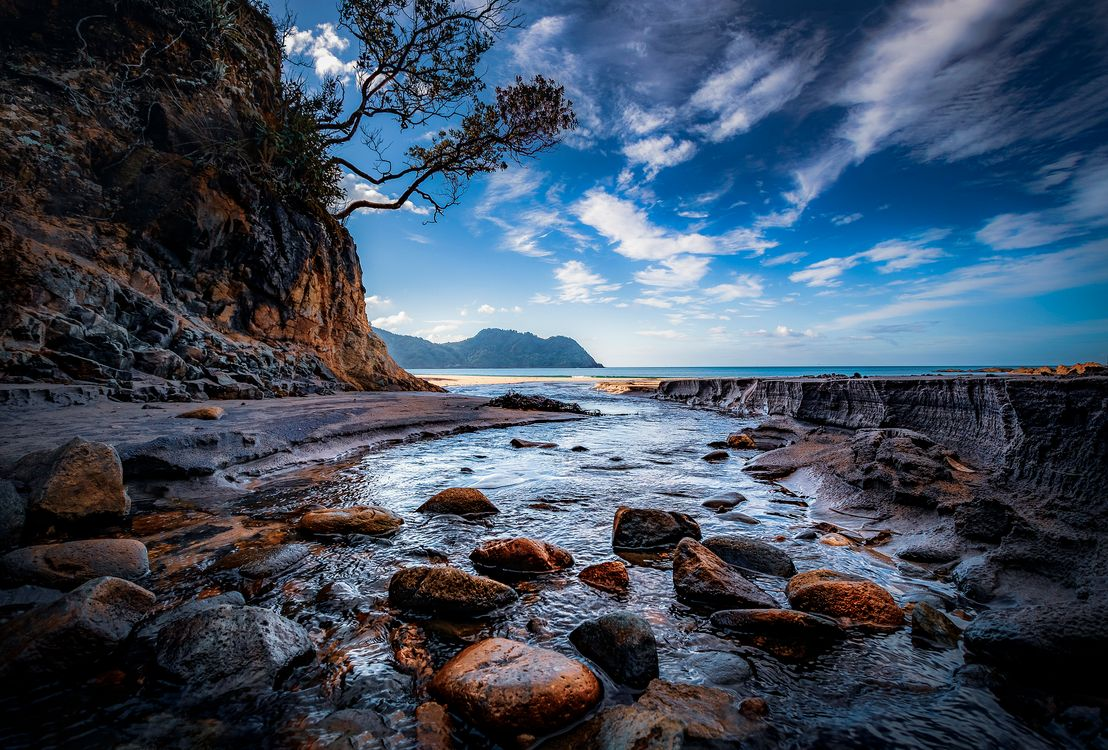 Обои море, скалы, камни, берег, небо, природа, пейзаж картинки на телефон