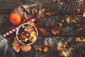 Бесплатные фото праздник,новый год,рождество,фрукты,орехи,напиток,декор