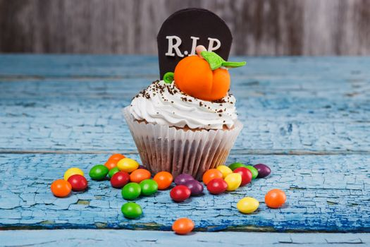 Eat cake and RIP · free photo