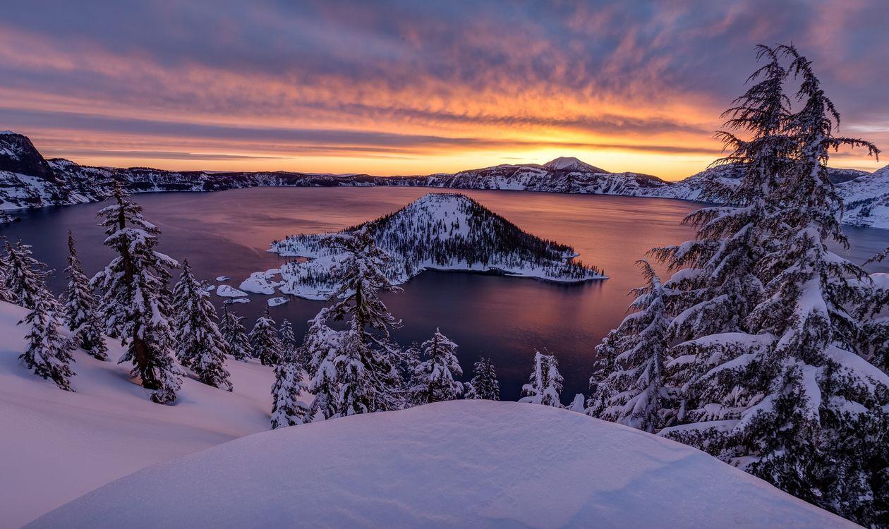 Фото бесплатно Crater Lake, Southern Oregon, Crater Lake National Park, Кратерное озеро, штат Орегон, США, зима, закат, пейзаж, пейзажи