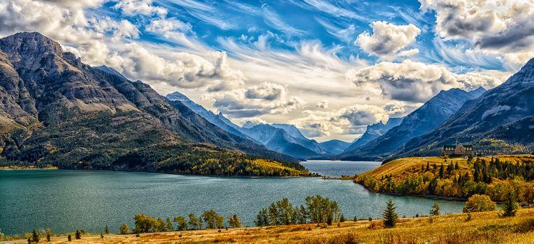 Заставки Канада,альберта,Национальный парк,Уотертон-Лейкс Пик Вими,горы,озеро,красивое небо,облака,панорама