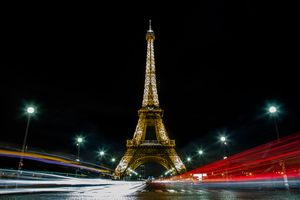 The Eiffel tower in Paris · free photo