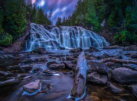 Заставки водопад,река,камни,течение,лес деревья,сумерки,закат
