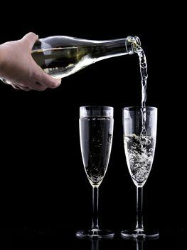 Бесплатные фото жидкость,вино,стакан,движение,праздник,всплеск,романтичный,напиток,бутылка,черный,алкоголь,праздничный