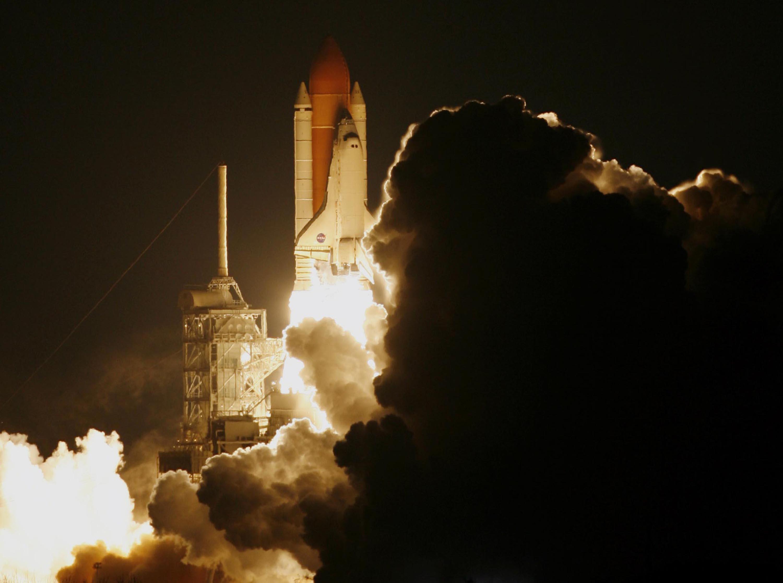 nasa rocket launches - HD3000×2231