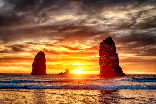 Заставки Sunset at Cannon Beach, пейзаж, пляж