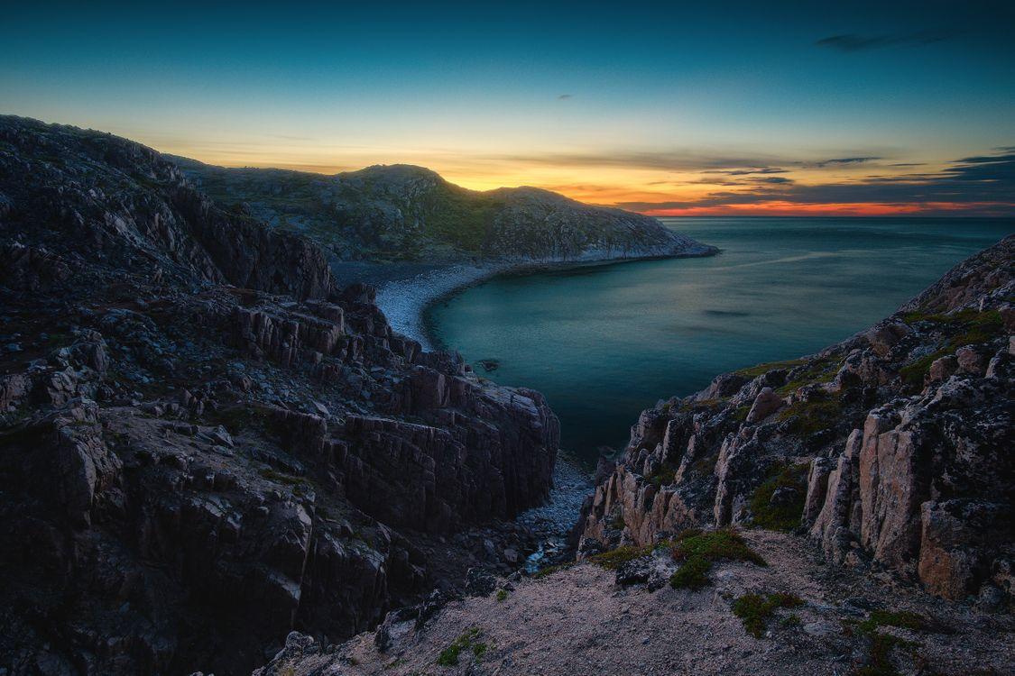 Закат на побережье Баренцева моря · бесплатная заставка