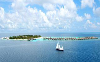 Фото бесплатно пляж, корабль, облако, экзотический, остров, пейзаж, природа, океан, отражение, закат, разрешение UltraHD, обои, парусник