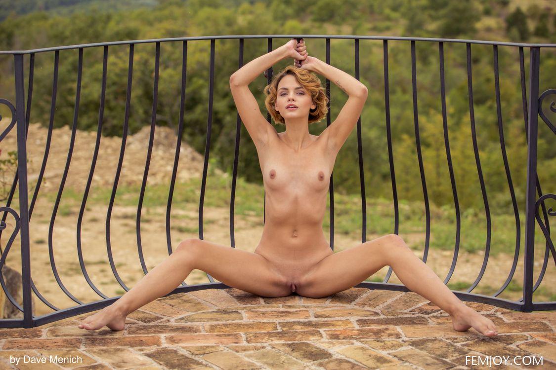 Фото бесплатно ariel, lilit a, ariela, rufina t, красотка, голая, голая девушка, обнаженная девушка, позы, поза, сексуальная девушка, эротика, Nude, Solo, Posing, эротика