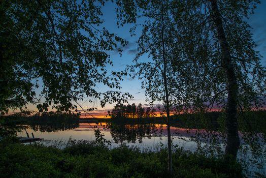 Заставки закат,сумерки,озеро,деревья,отражение,природа,пейзаж