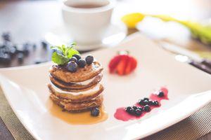 Фото бесплатно сироп, блины, кофе