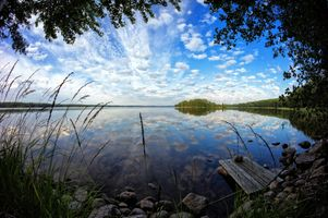 Бесплатные фото озеро,мостик,деревья,камни,природа,пейзаж