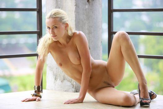 Фото бесплатно Liza B, красотка, голая, голая девушка, обнаженная девушка, позы, поза, сексуальная девушка, эротика, Nude, Solo, Posing