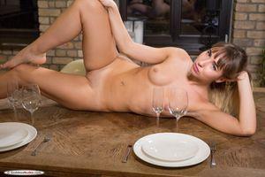 Бесплатные фото Inga F, красотка, голая, голая девушка, обнаженная девушка, позы, поза