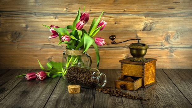 Photo free vase, tulips, table