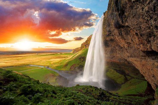Заставки водопад на закате, солнце, облака