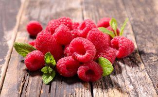 Фото бесплатно wood, ягоды, малина