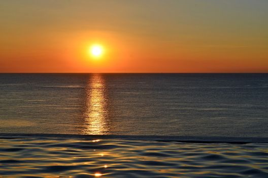 Заставки beach,dawn,dusk,glow,horizon,landscape,light,ocean,reflection,sea,seascape,sky